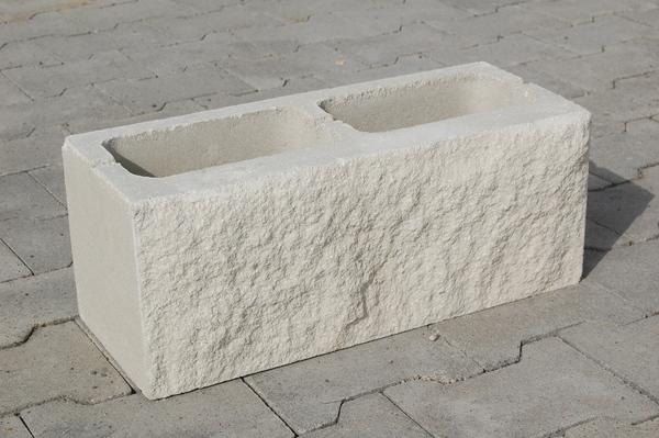 Manufatti in cemento edilvibro - Blocchi cemento per giardino ...